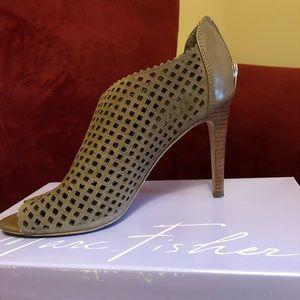 Marc Fisher shoe